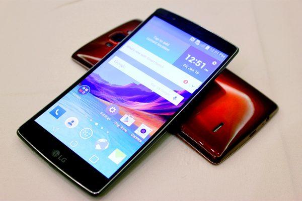 LG kondigt de gebogen G Flex 2 aan: De krachtigste Android Smartphone tot nu toe