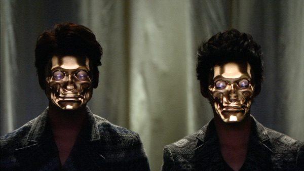 """Deze """"kunst hackers"""" toveren robot's, aliens en tijgers op hun gezicht"""