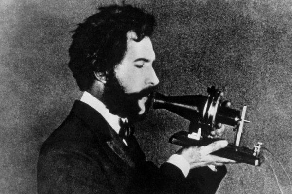 eerste telefoon