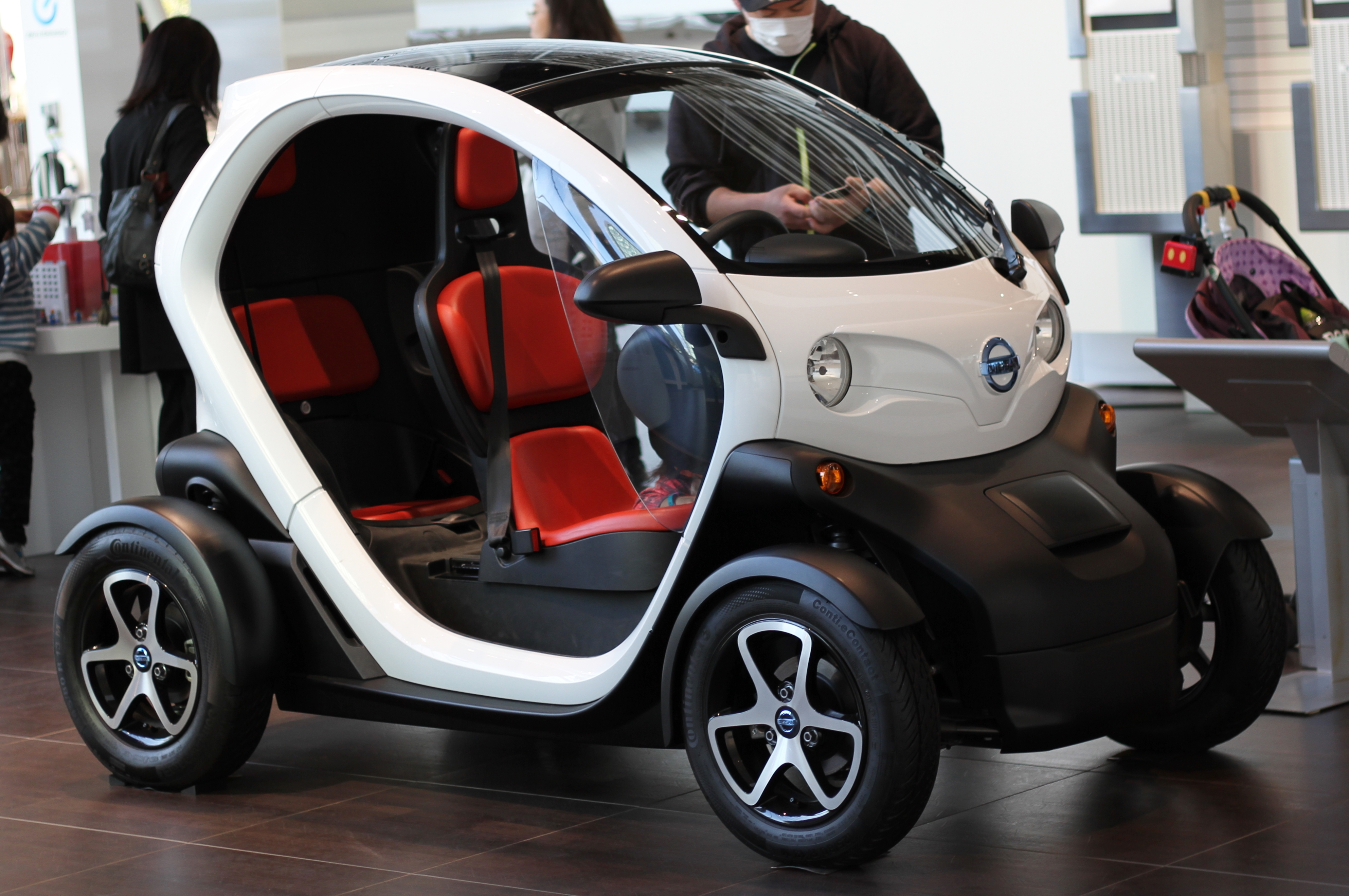 1222298Nissan_New_Mobility_Concept